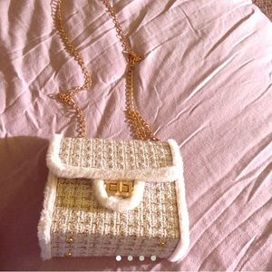 Cute chanelesque knockoff purse